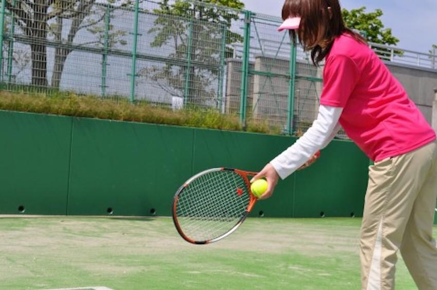 テニスのインストラクター